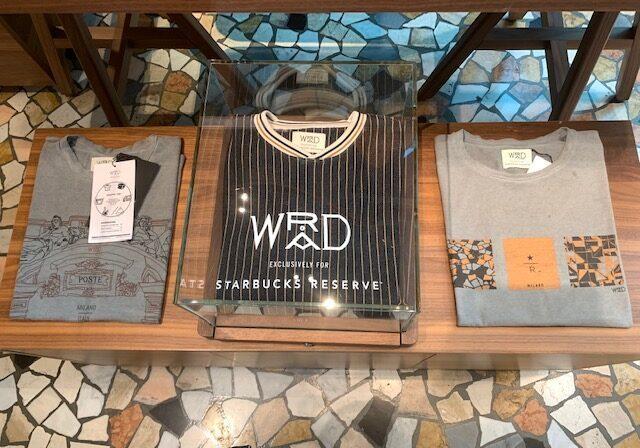 WradのTシャツ