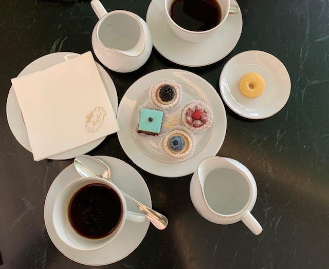 コーヒーとスイーツのアラカルト